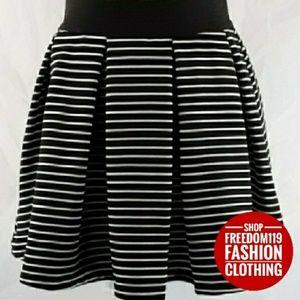 Romeo & Juliet | Stripe Zip Back Skater Skirt (XS)